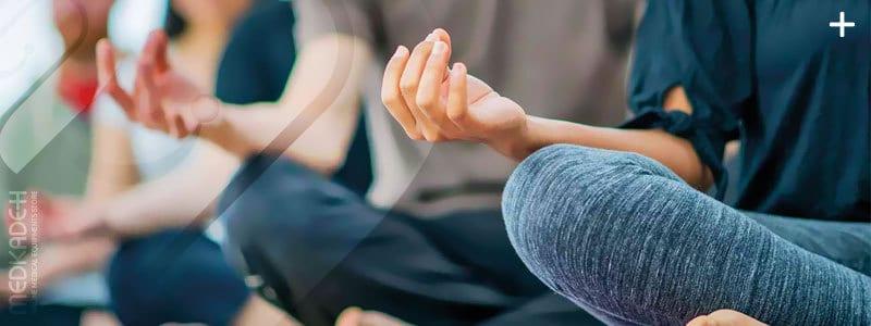 درمان خانگی آرتروز زانو به وسیله یوگا