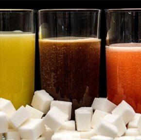 نوشیدنی های قندی خطر ابتلا به سرطان را افزایش می دهد