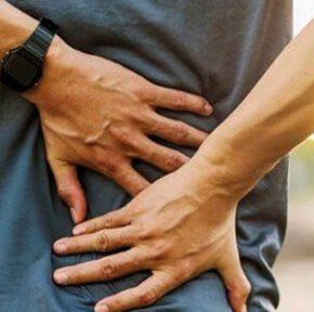 چرا هنگام سرفه کردن پشت بدن دچار درد می شود؟